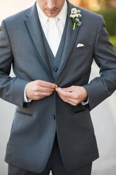 OMG! PERFECT! Stylish #Groom I White Tie, White Shirt, Gray Suite I Kyle & Vanessa