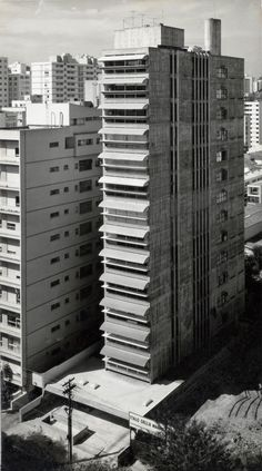 PAULO MENDES DA ROCHA - EDIFÍCIO GUAIMBÊ, SÃO PAULO 1962