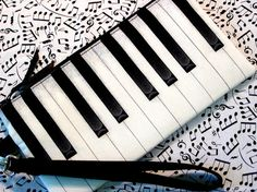 Piano Keys Wristlet TICKLIN' THE IVORIES by gmPurseanalities