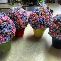 party favors for kids birthdays - Lollypop Bouquets in baskets for a picnic party Birthday Gift Bags, Party Favors For Kids Birthday, Birthday Diy, Birthday Parties, Birthday Ideas, Party Favours, Fiestas Party, Holiday Parties, Party Planning