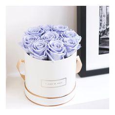FLEURS DE PARIS offers beautiful unique floral arrangements! Visit our website www.fleursdeparis.de and choose your favorite one. #fleursdeparis #theroségoldcollection #interiordesign #infinityroses