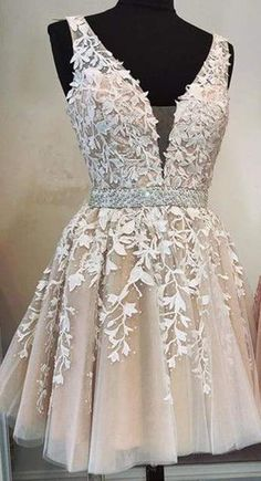 Party dress short - V neck Champagne Tulle Short Homecoming Dress Appliques Prom Dress – Party dress short Best Party Dresses, Sweet 16 Dresses, Pretty Dresses, Lace Homecoming Dresses, Hoco Dresses, Formal Dresses, Dress Prom, Pink Dresses, Graduation Dresses