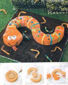 Easy to make snake cake for children
