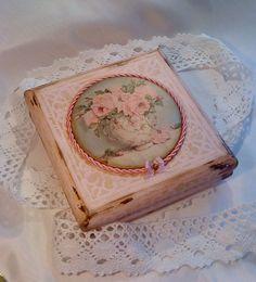 "Декупаж - Сайт любителей декупажа - DCPG.RU   Шкатулка ""Розовый букет"" Click on photo to see more! Нажмите на фото чтобы увидеть больше! decoupage art craft handmade home decor DIY  do it yourself"