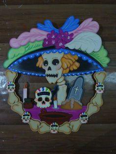 CORONA DE MUERTOS EN MDF (MADEIRAS) macamno1@hotmail.com Country Halloween, Halloween Season, Fall Halloween, Halloween Party, Halloween Decorations, Makeup Crafts, Creepy Dolls, Cold Porcelain, Day Of The Dead