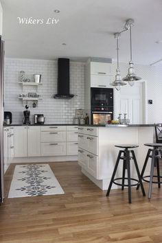 New Kitchen, Kitchen Dining, Kitchen Decor, Kitchen Cabinets, Interior Design Videos, Interior Design Living Room, Small Loft Apartments, Beautiful Kitchens, Home Kitchens
