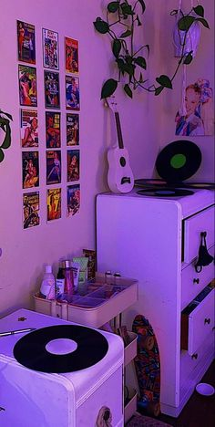 Cute Room Ideas, Cute Room Decor, Retro Room, Vintage Room, Room Ideas Bedroom, Bedroom Decor, Bedroom Inspo, Ideas Decorar Habitacion, Indie Room