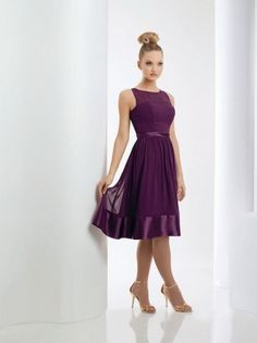 Okay, I am loving everything about this bridesmaids dress. It would just need to be in hot pink : )