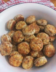 Škvarkové pagáčiky kváskové bez rozkvasu Ethnic Recipes, Food, Basket, Essen, Meals, Yemek, Eten