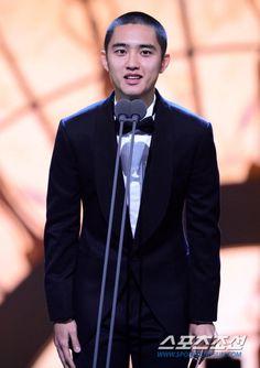 [NEWS/PIC] 171125 D.O. @ Blue Dragon Film Awards