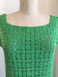 Vintage dress Green crochet See through Cap sleeves Boxy fit Slim through the hips Zips up the back -necklace sold separate Very good vintage condition Size medium Bust Hips Length Lace Halter Top, Crochet Bowl, Vintage Dresses 1960s, Crochet Poncho Patterns, Cap Dress, Vintage Boutique, Crochet Clothes, Green Dress, Knit Dress