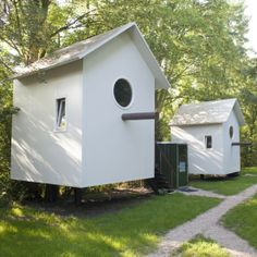 Vogelhuisjes, Vlaardingen Cute idea for a back yard shed or playhouse Days Out With Kids, Holidays With Kids, Mini Camper, Wonderful Places, Great Places, Places To Visit, Weekender, Camping Glamping, Camping Ideas