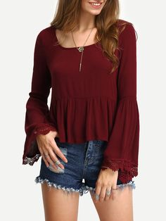 Lace Trimmed Bell Sleeve Peplum Blouse. Burgundy Vintage Scoop Neck Long Sleeve Cotton Plain Peplum Ruffle Fabric has no stretch Spring Blouses., blusamangalarga, mangaslargas, longsleeve, kimonosleeve, lanternsleeve, bellsleeve, kimonosleeves. Blusa manga larga de mujer de SheIn.
