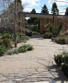 Eco Outdoor porphyry Filetti used as path decoration. Eco Outdoor | Myles…