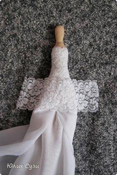 Já que maio é o mês das noivas olhem esse tutorial de  Julia Susie  da Tilda noiva                                                          ...