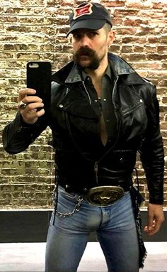 Daddy Analog-Quartz Leather Black with Black Dial – The Fashion Mart Brown Leather Jacket Men, Lambskin Leather Jacket, Vintage Leather Jacket, Leather Men, Leather Jackets, Men In Tight Pants, Mustache Men, Scruffy Men, Hommes Sexy