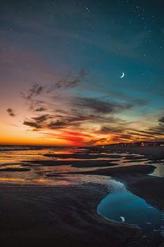 Dreamlike Landscape Photography by Matias Alonso Revelli Beautiful Sunset, Beautiful World, Beautiful Places, Landscape Photography, Nature Photography, Wallpaper Animes, Foto Poster, Sunset Sky, Night Skies