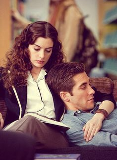 Jake Gyllenhaal and Anne Hathaway as Jamie  Maggie from Love  Other Drugs (2010)
