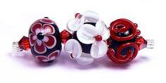Bleeding Heart - handmade lampwork glass beads by artist Kandice Seeber