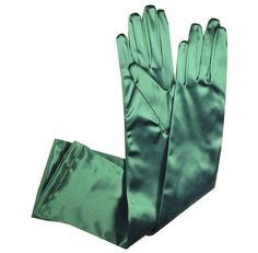 Pretty Outfits, Cool Outfits, Fashion Outfits, Jojo Fashion, Pretty Clothes, Zack Y Cody, Reign, Green Gloves, Anne With An E