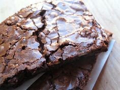 Beste brownie i byen: Seig, søt og fullstappet med deilig sjokolade. Brownie Cookies, Sugar Cookies, Cake Recipes, Dessert Recipes, Norwegian Food, Norwegian Recipes, Fancy Cakes, No Bake Desserts, Let Them Eat Cake