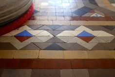 modernist mosaic floor in barcelona www.suelosantiguos.com