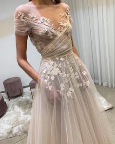 Liz Martinez Bridal sur Instagram : Aussie Bride-to-Be, Don't miss your chance to wear the perfect wedding dress! The Liz Martinez Trunk Show has begun and will only be here…