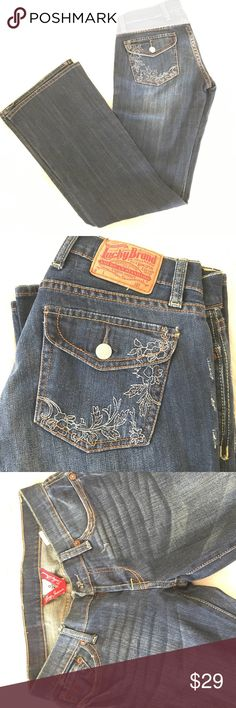Lucky Brand jeans Rarely worn, these fun jeans with cute pocket detail are great for your winter wardrobe Lucky Brand Jeans Boot Cut