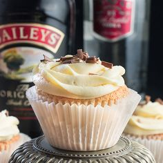 White Russian Cupcakes inspired by the classic cocktail – Baileys whipped cream sponge, topped with a White Russian buttercream and a hidden dark chocolate and vodka ganache centre. I love creamy cocktails and the White Russian is one of my absolute favourites (really anything with Baileys is a winner in my eyes), so when I was contacted by thebar.com a few weeks ago and invited to create a recipe based on one of their cocktails, it was the obvious choice. If you're unfamiliar with the White…
