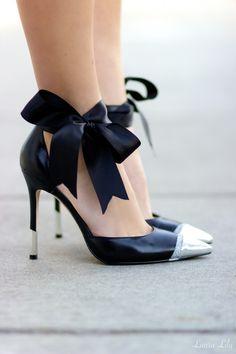 DIY Bow Pumps, Aminah Abdul Jillil black bow pumps, LA Fashion Blogger Laura Lily, fun shoe DIY projects, DIY glitter cap-toe heels, Ivanka Trump Black Franny heels,