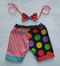 SALE RTS Unisex Newborn 3 month CiRCuS CLoWN por MadAboutColour