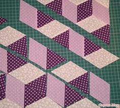 "3 D block ""cubes"" Faster way. Quilt Square Patterns, Patchwork Patterns, Quilt Block Patterns, Square Quilt, Pattern Blocks, Hexagon Quilt, Quilting Tutorials, Quilting Projects, Quilting Designs"