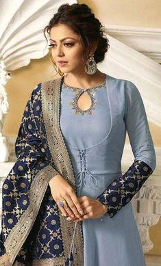 Salwar Neck Designs, Neck Designs For Suits, Kurta Neck Design, Sleeves Designs For Dresses, Dress Neck Designs, Stylish Dress Designs, Kurta Designs Women, Stylish Dresses, Churidhar Neck Designs