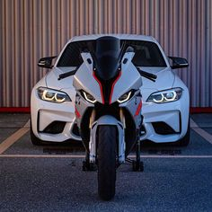 Moto Design, Bmw Wallpapers, Bmw S1000rr, Best Luxury Cars, Futuristic Cars, Top Cars, Super Bikes, Amazing Cars, Cool Bikes