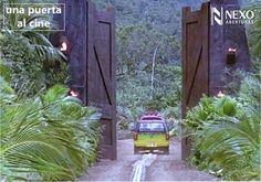 Una puerta a un mundo maravilloso y a la vez muy peligroso.  ¿A qué película pertenece esta puerta?