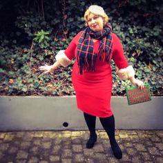 HoHoHo – Madame Santa | Miss Kittenheel pinup wiggle dress tartan Christmas fascinator 1950s