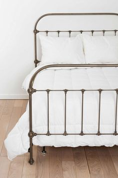 Plum & Bow Callin Iron Bed - Urban Outfitters