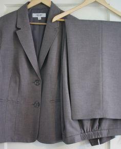 c34be095344 NWT Women s Gray Jones Studio 18W Pants Suit Jacket Blazer New Plus Size  Grey