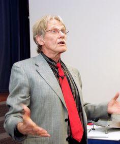 Vernon Smith, Economist