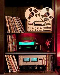 Vintage high end audio audiophile Sweet setup. Revox, McIntosh etc (fb) Hifi Stereo, Hifi Audio, Hi Fi System, Audio System, Audio Design, Audio Room, Audio Sound, Tape Recorder, Record Players