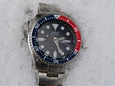 [Seiko SKX009] While I'm waiting for a new one to arrive this week she'll keep following me everywhere http://ift.tt/2qAYQSj