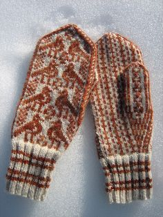 ...Lerka by Anna Marøy Bjelland, as knit by yarnjungle...