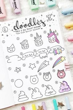 Looking for cute step by step doodle tutorials for your bullet journal? This list of examples will help you get started! 🌈 doodles Step By Step Bullet Journal Doodle Tutorials - Crazy Laura Easy Doodles Drawings, Easy Doodle Art, Doodle Art Drawing, Cute Easy Drawings, Simple Doodles, Drawing Ideas, Art Drawings, Drawing Step, Drawing Drawing