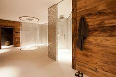 Chalet Lech Oberlech - A luxury chalet in the Austrian Alps - Cold & Snowy outside / Warm inside - Bathroom