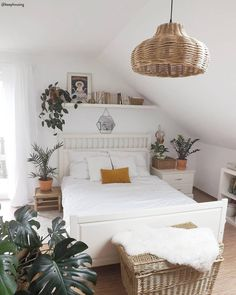 [New] The Best Home Decor (with Pictures) These are the 10 best home decor today. According to home decor experts, the 10 all-time best home decor. Ikea Bedroom, Room Ideas Bedroom, Bedroom Decor, Urban Bedroom, Scandi Bedroom, Budget Home Decorating, Single Bedroom, Boho Room, My New Room