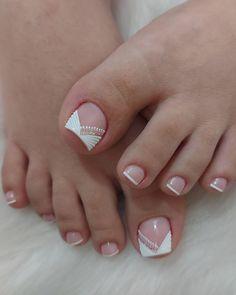 Manicure Nail Designs, Pedicure Designs, Toe Nail Designs, Pedicure Nails, Simple Toe Nails, Summer Toe Nails, Men Nail Polish, Acrylic Toe Nails, French Pedicure