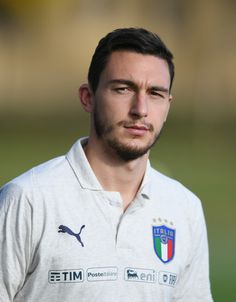Matteo Darmian of Italy looks on prior to the training session at Italy club's training ground at Coverciano on November 7, 2017 in Florence, Italy. - 100 of 102