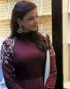 Beautiful Bollywood Actress, Most Beautiful Indian Actress, South Actress, South Indian Actress, Kajal Agarwal Saree, Ileana D'cruz Hot, Delhi Girls, Stylish Girl Images, Girls Image