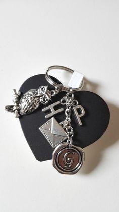 Porte clés Harry Potter Gryffondor Invitation à Poudlard argenté féérique : Porte clés par miss-perles
