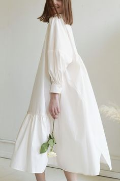 Modest Fashion, Hijab Fashion, Fashion Dresses, Simple Dresses, Casual Dresses, Mode Simple, Oversized Dress, Linen Dresses, White Fashion
